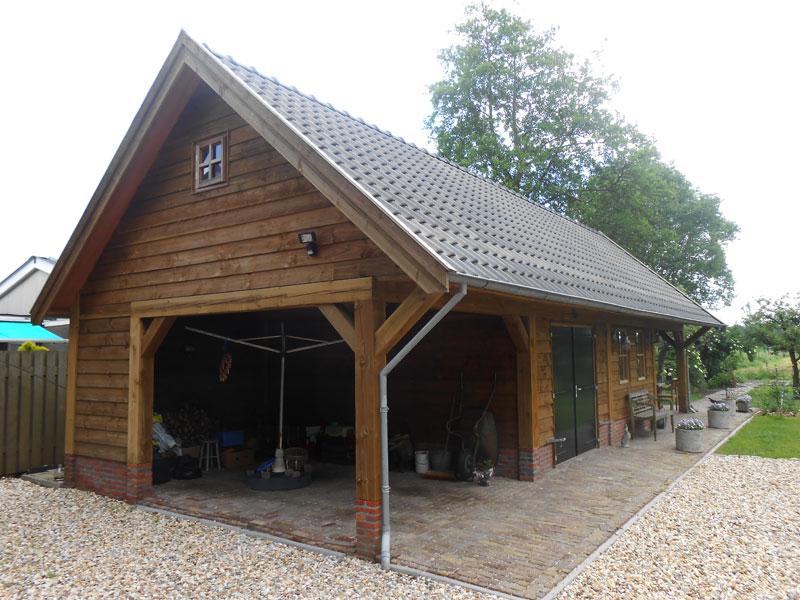 Garage Met Overkapping : Maatwerk terrasoverkapping met schuur u2022 houten schuur met overkapping