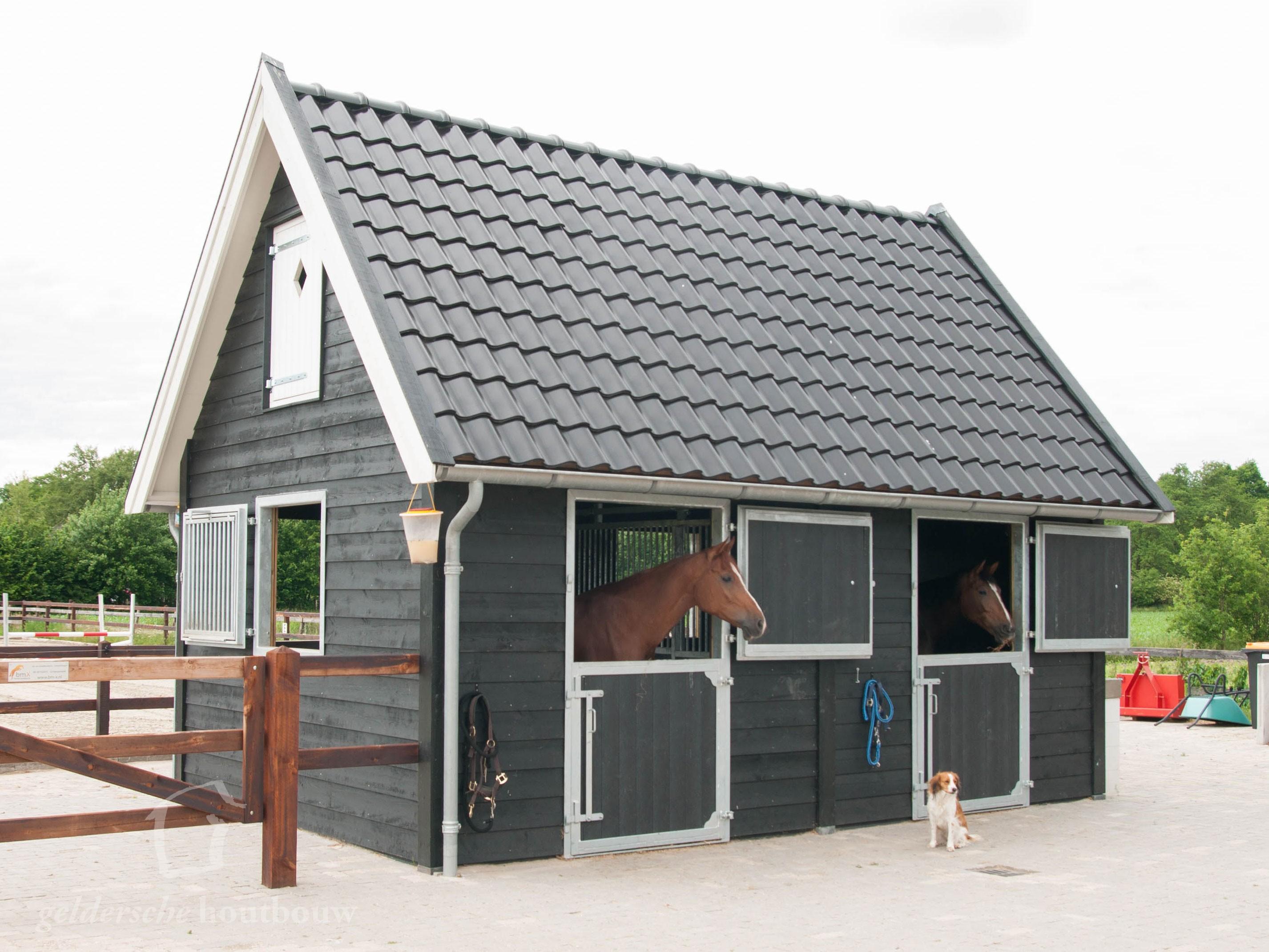 Wonderbaar Landelijke houten paardenstal • Houten paardenstal GJ-15